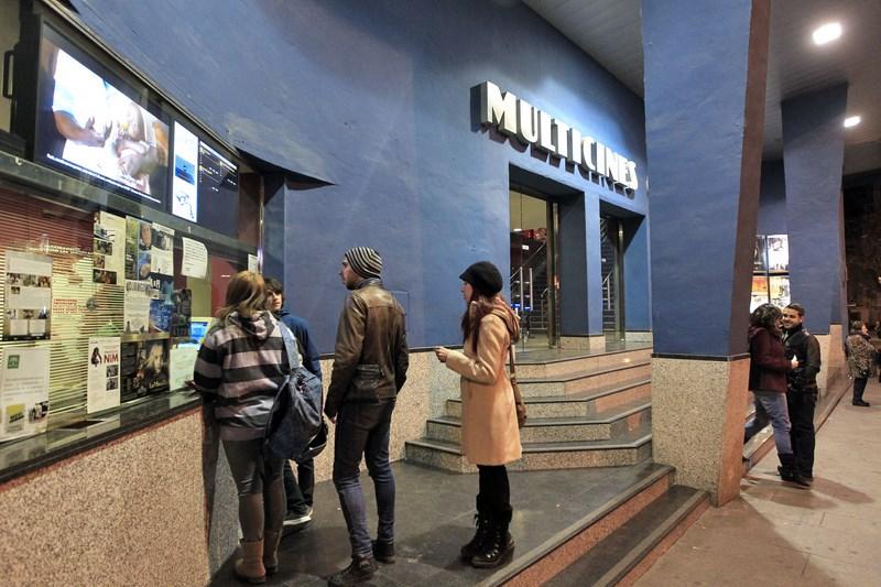30 de enero de 2013, el anuncio del cierre de Multicines recorre Granada